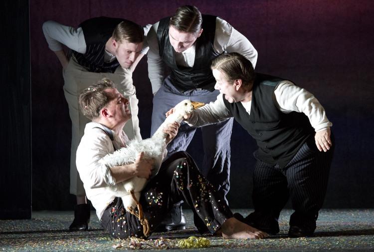 HANS IM GL†CK -  Berliner Ensemble