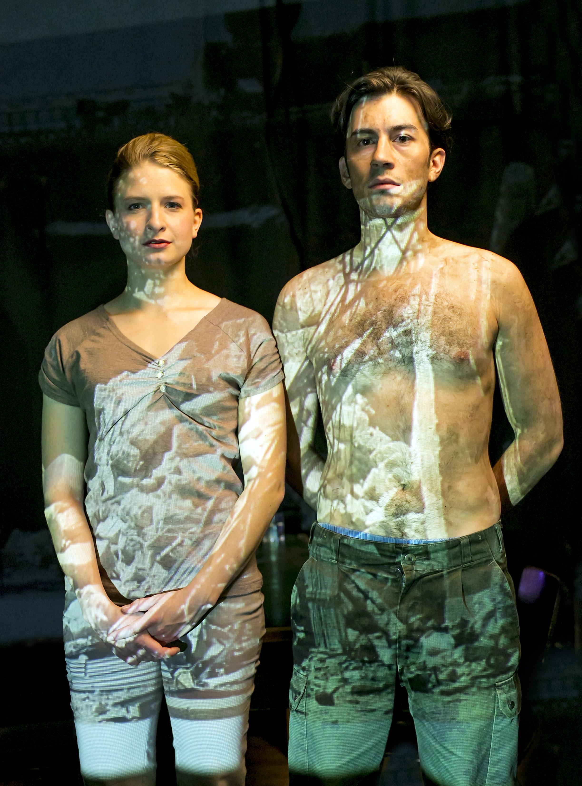 Urauffuehrung nach Juergen Todenhoefers Buch: Inside IS . Grips Theater Berlin, 12. Oktober 2016. Vorabfoto, bitte nach der Premiere als solches kennzeichnen.